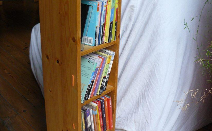 Une étagère à CD à 5 niveaux