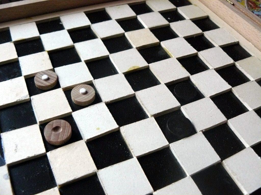 plateau de jeu de dames adapté