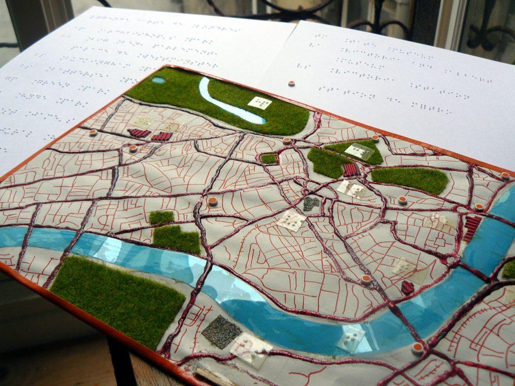 Un plan tactile de Londres, et sa légende